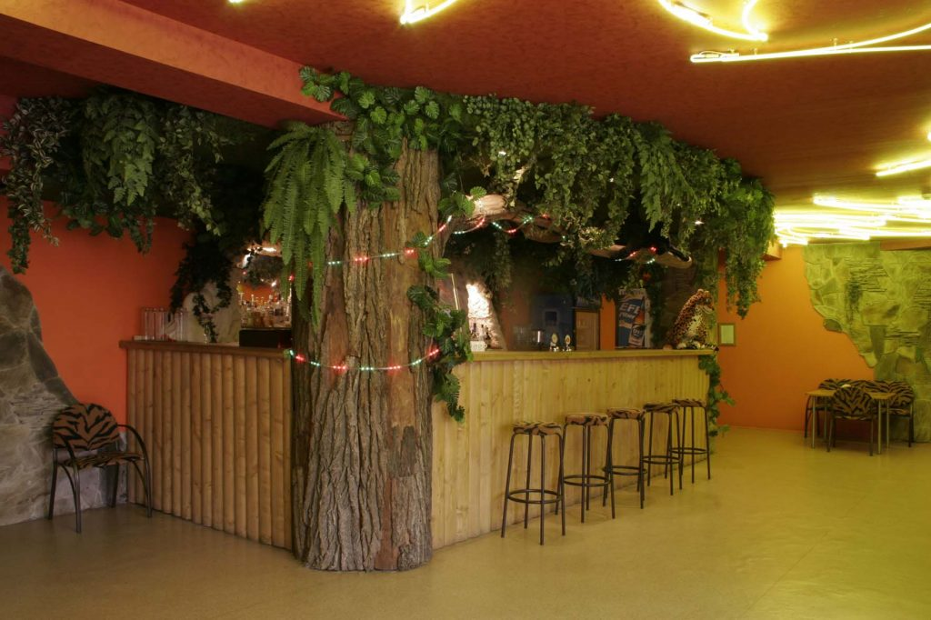 """Фото барной стойки в баре """"Джунгли"""""""