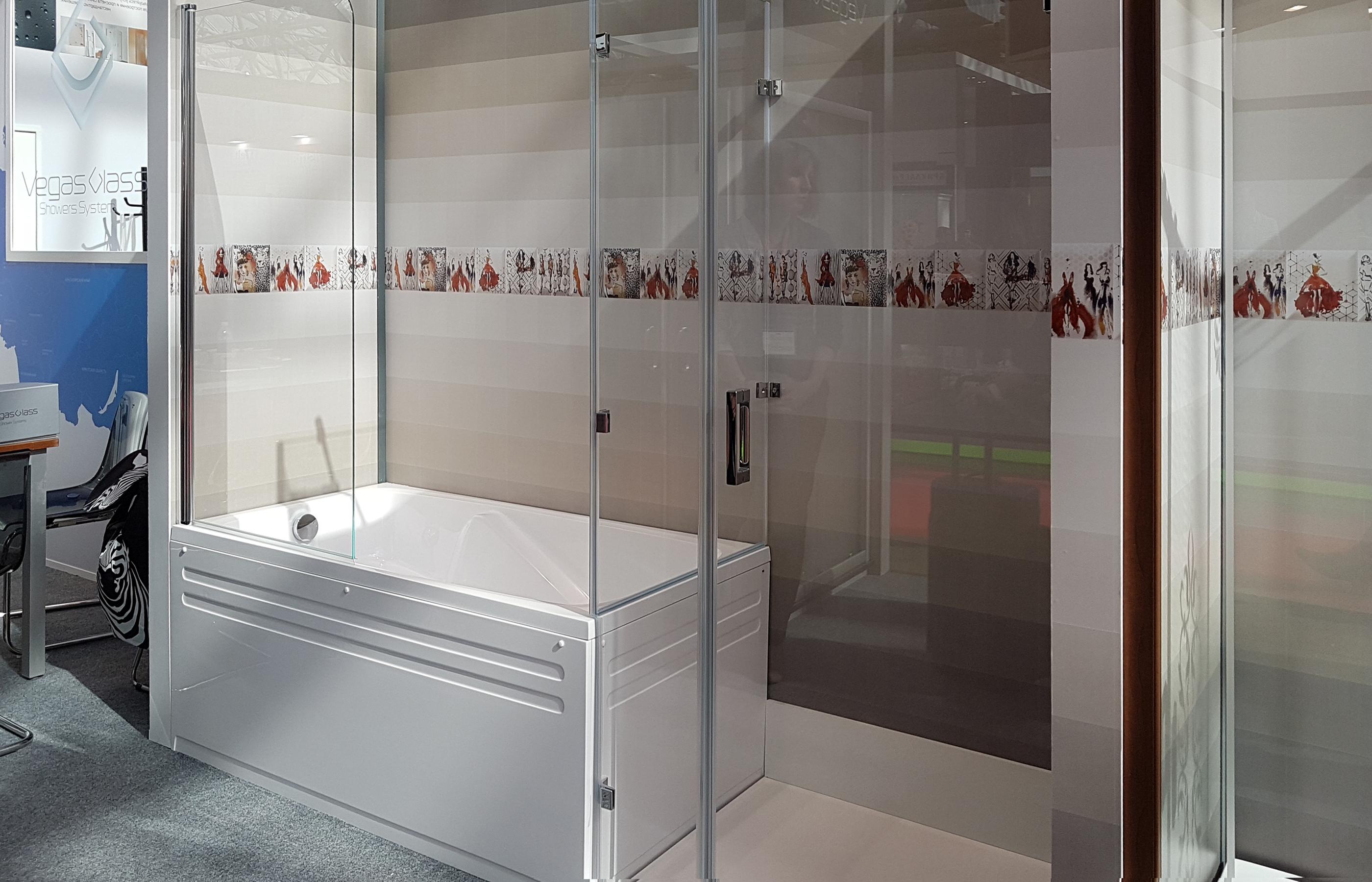 Ванная и душевая кабина в одном помещении