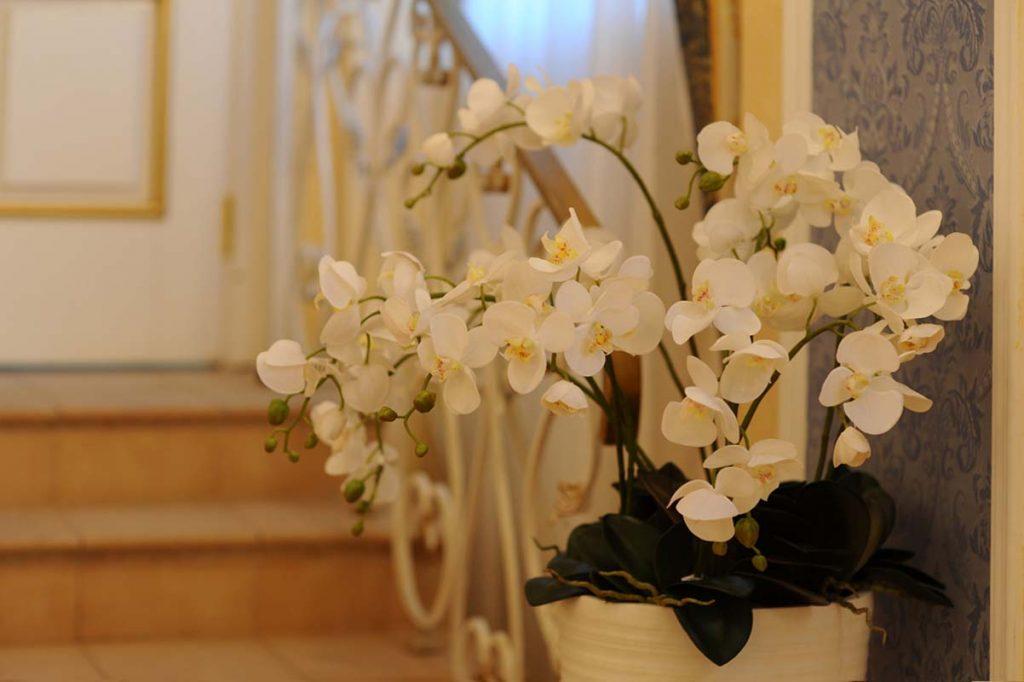 15 цветочное декорирование ресторана