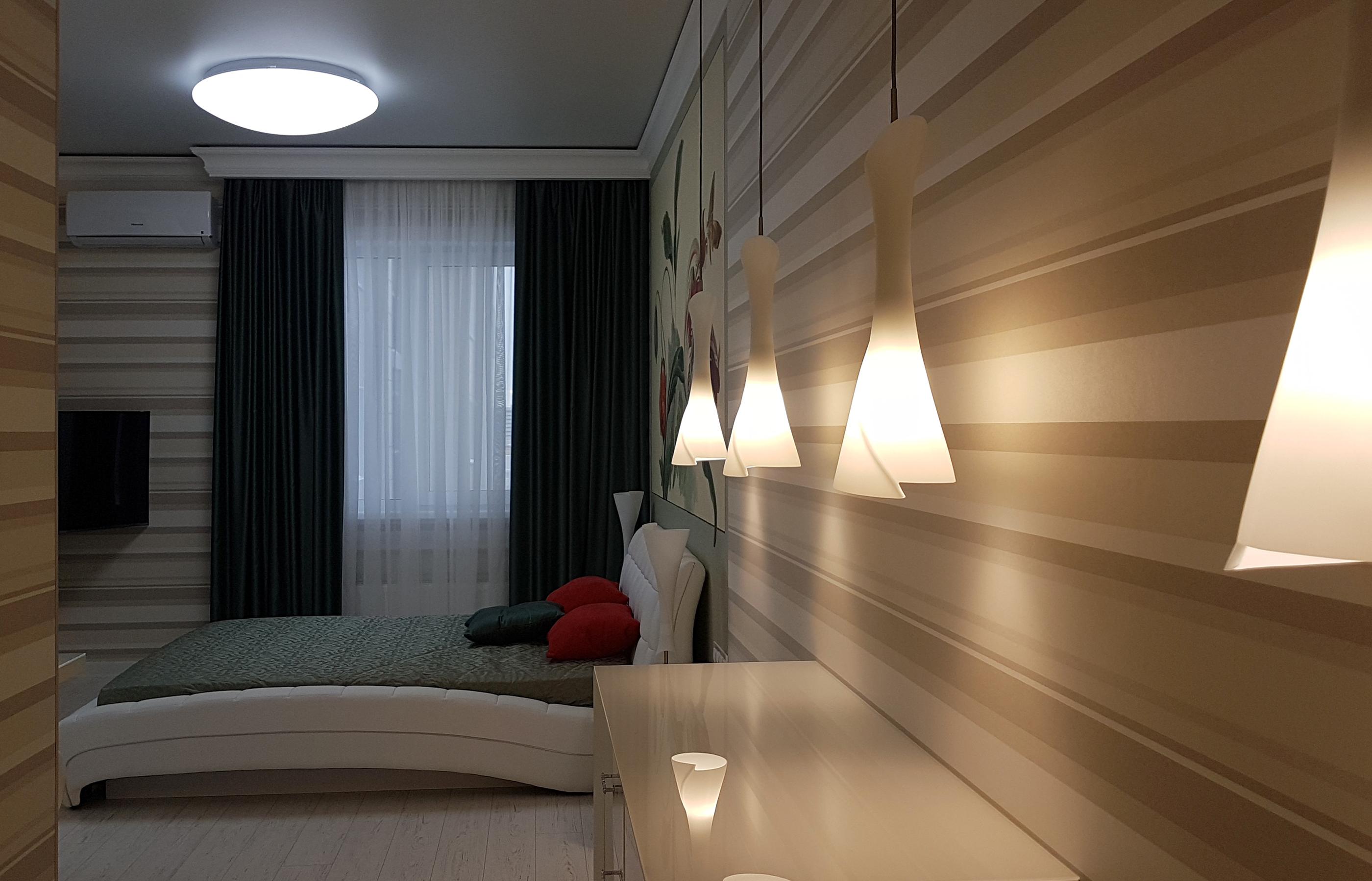 Интерьер спальни совмещенной с гардеробной