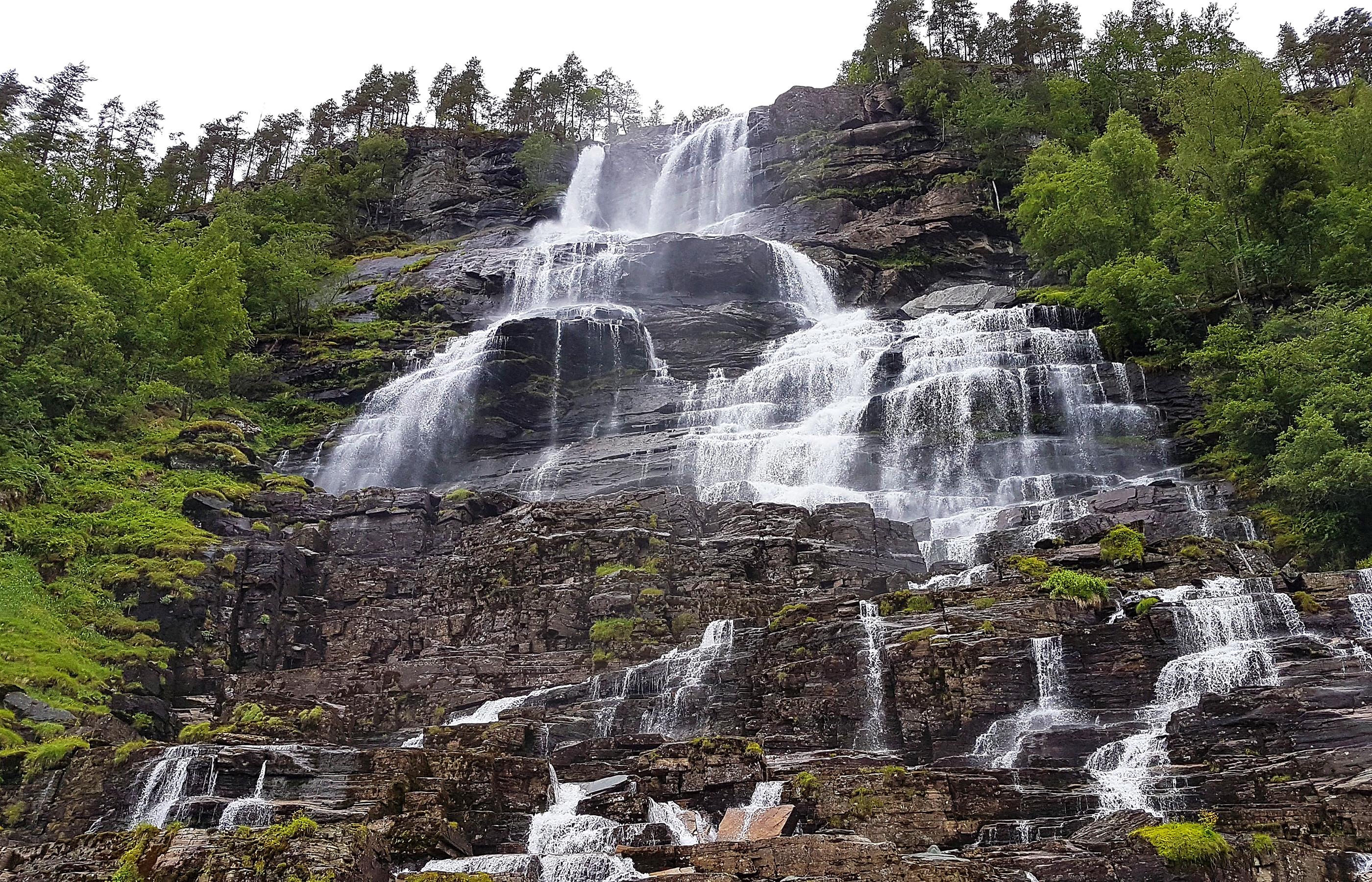Водопад Твиндефоссен, высота 152 метра, самый высокий в Норвегии
