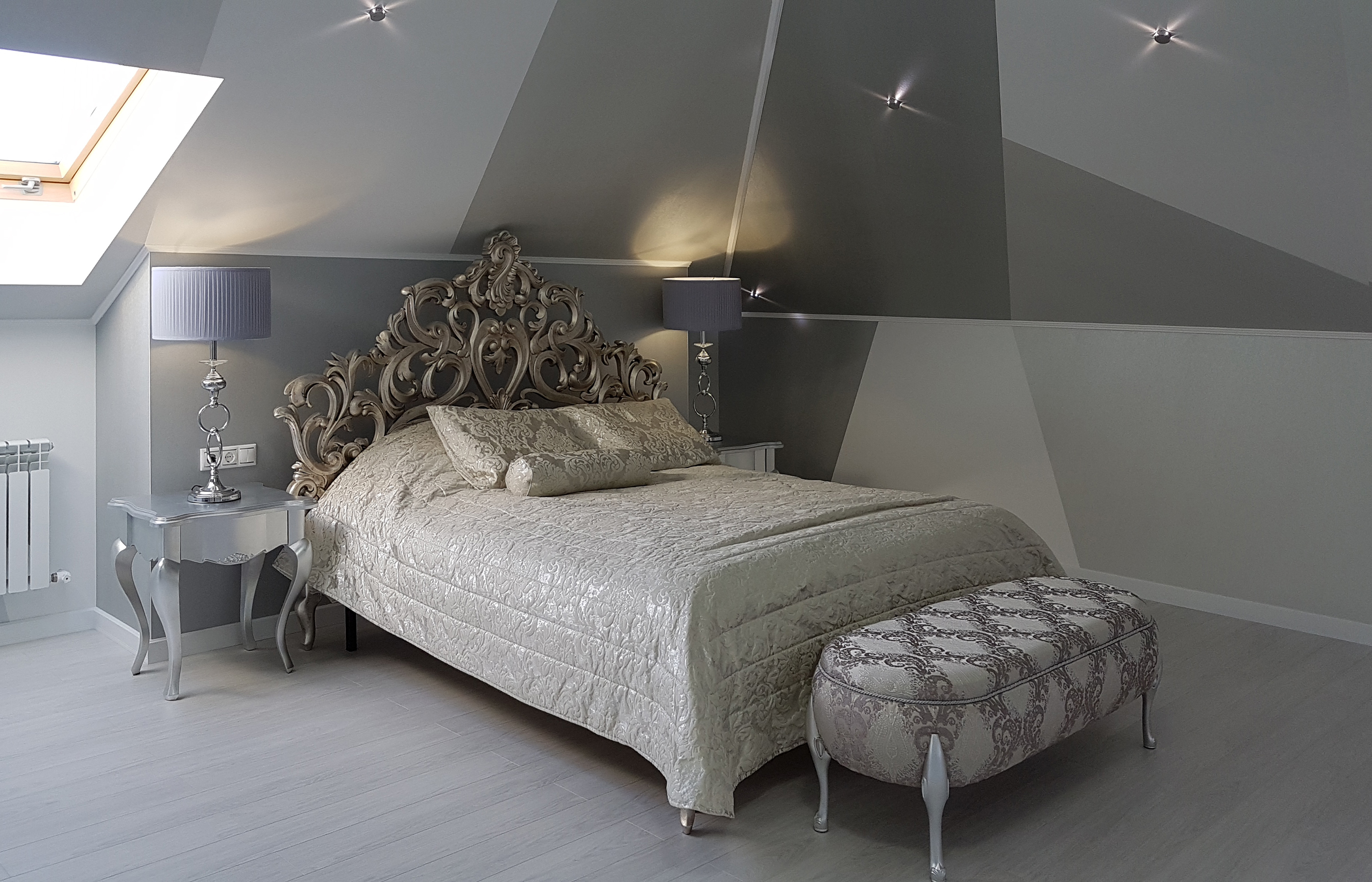 Дизайн интерьера спальни с мансардным потолком