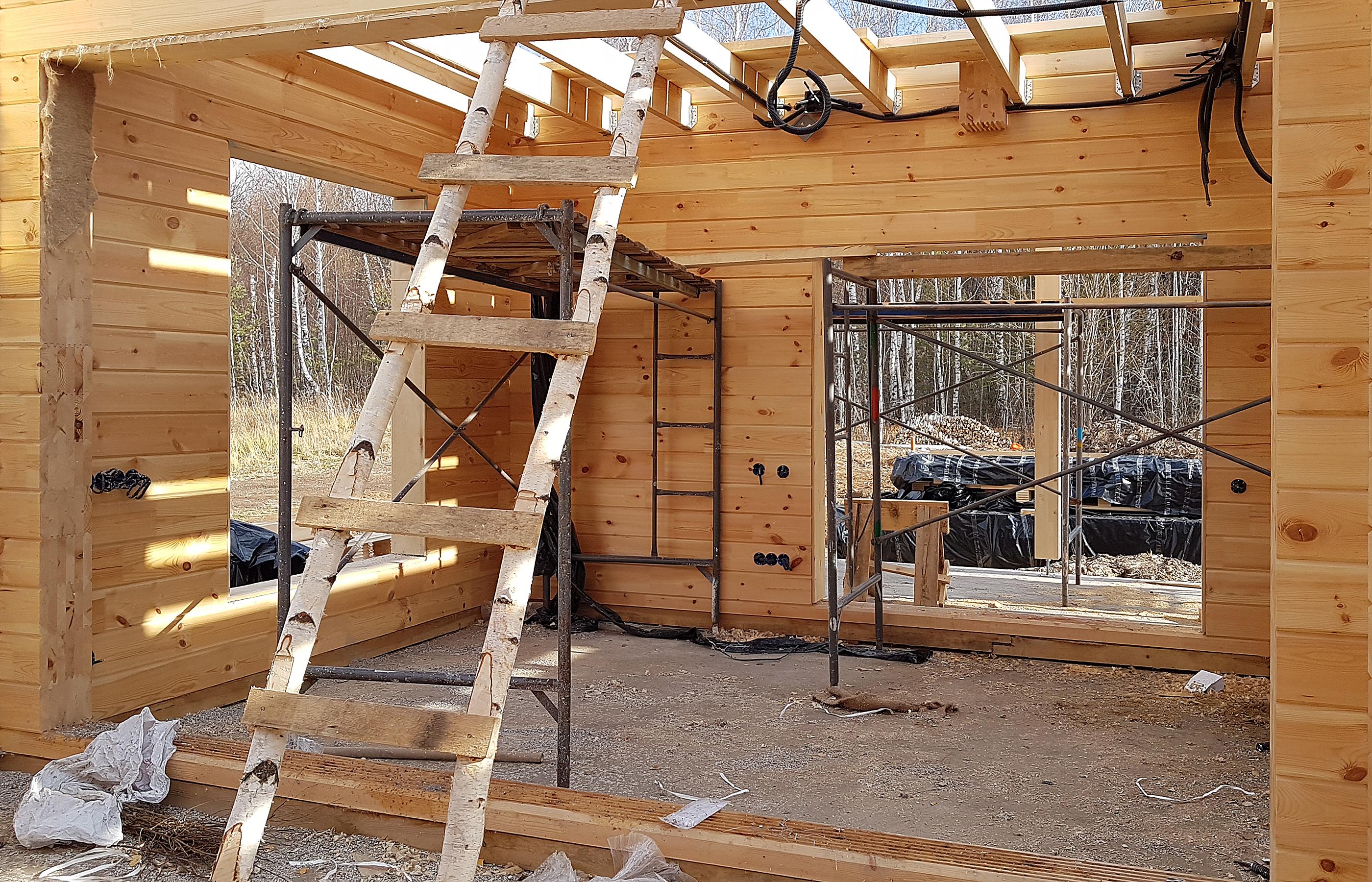 Интерьер деревянного дома. Начало...